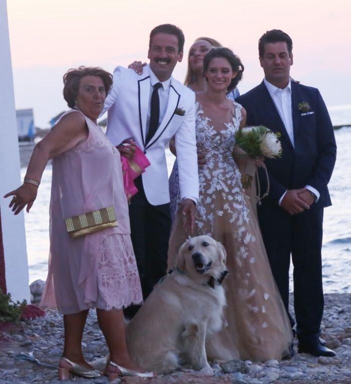 Η σπάνια εμφάνιση του Τόνι Σφήνου με την όμορφη σύζυγό του [Εικόνα] - εικόνα 5