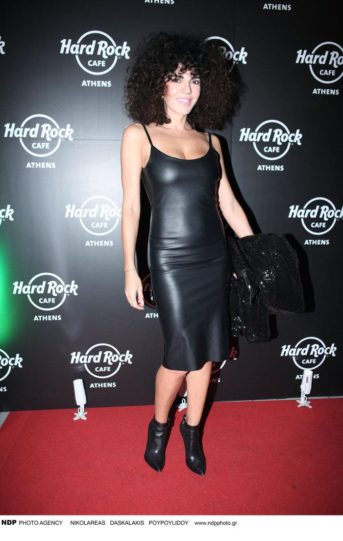 Το super αποκαλυπτικό μαύρο δερμάτινο φόρεμα της Μαρίας Σολωμού