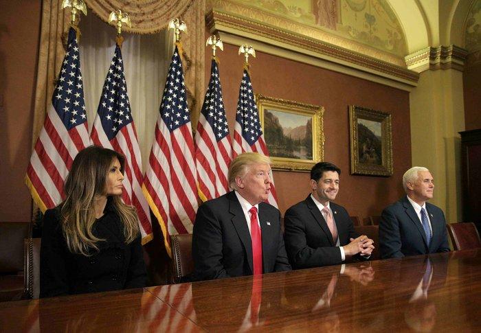 Καρέ - καρέ η πρώτη εμφάνιση της Μελάνια Τραμπ στον Λευκό Οίκο - εικόνα 4