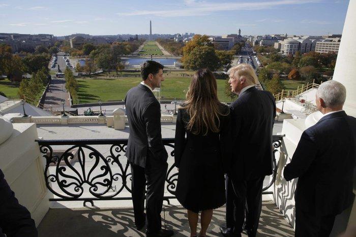 Καρέ - καρέ η πρώτη εμφάνιση της Μελάνια Τραμπ στον Λευκό Οίκο - εικόνα 6