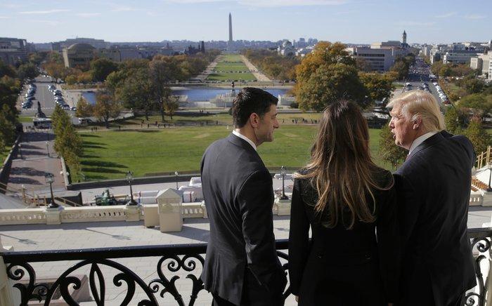 Καρέ - καρέ η πρώτη εμφάνιση της Μελάνια Τραμπ στον Λευκό Οίκο - εικόνα 7