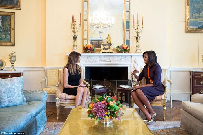 Καρέ - καρέ η πρώτη εμφάνιση της Μελάνια Τραμπ στον Λευκό Οίκο - εικόνα 8