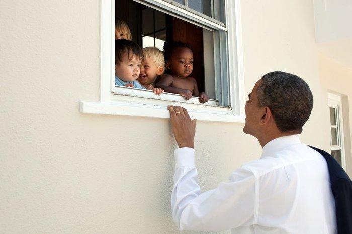 Οι 30 πιο απρόβλεπτες φωτογραφίες του Μπαράκ Ομπάμα - εικόνα 8
