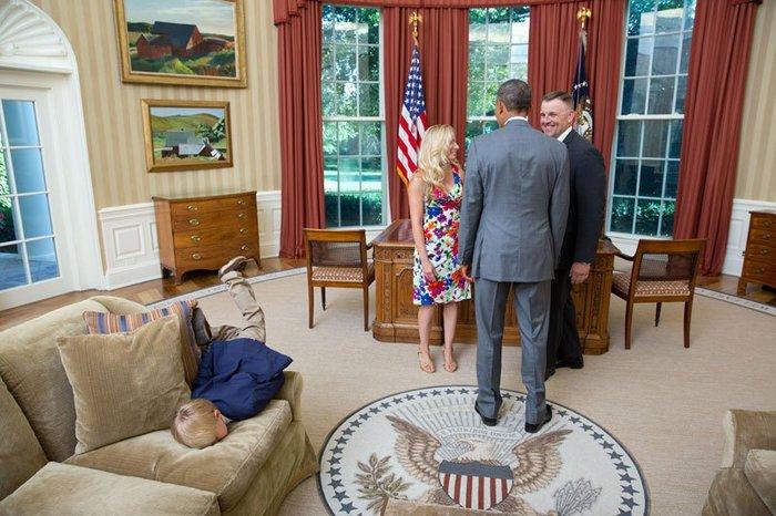 Οι 30 πιο απρόβλεπτες φωτογραφίες του Μπαράκ Ομπάμα - εικόνα 13