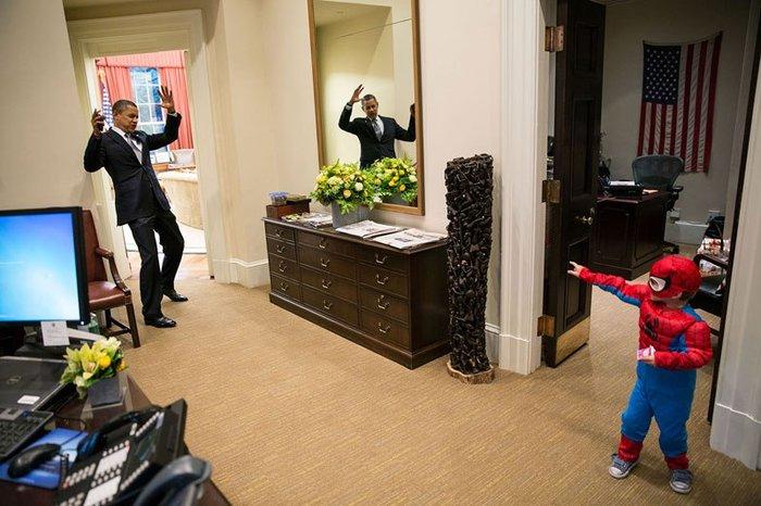 Οι 30 πιο απρόβλεπτες φωτογραφίες του Μπαράκ Ομπάμα - εικόνα 17