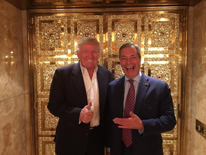 Ο Φάρατζ, ο πρώτος ευρωπαίος πολιτικός που συνάντησε τον Τραμπ-φωτό - εικόνα 3