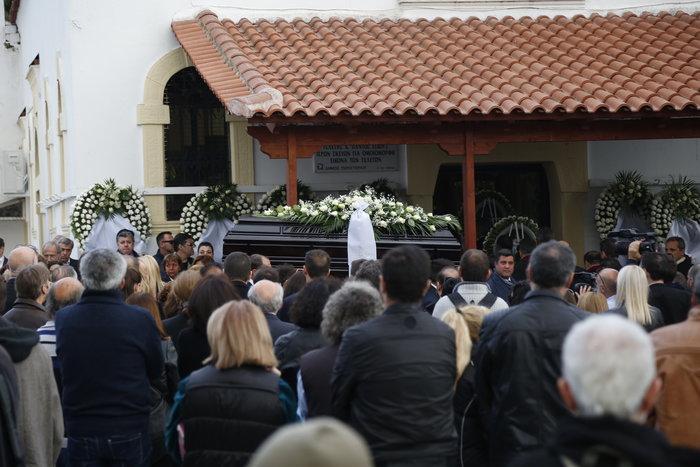 Οδύνη στο τελευταίο αντίο στον δημοσιογράφο Γιώργο Γεωργιάδη