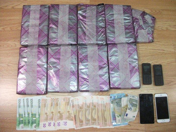 Συνελήφθησαν Βούλγαροι στην Γλυφάδα με 4 κιλά κοκαΐνη