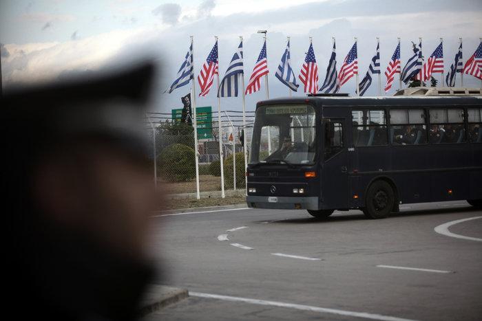 Εν αναμονή του Ομπάμα: Οι πρώτες φωτογραφίες από Ελ. Βενιζέλος - εικόνα 10