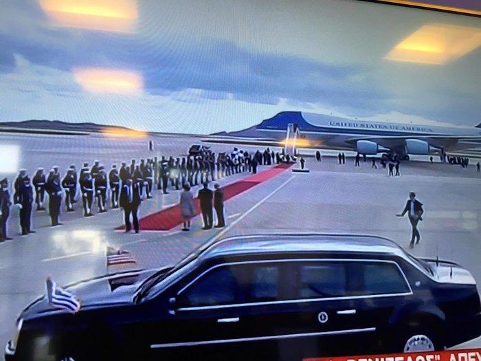 Η γκάφα στην υποδοχή Ομπάμα: Εστρωσαν λάθος το κόκκινο χαλί - εικόνα 5