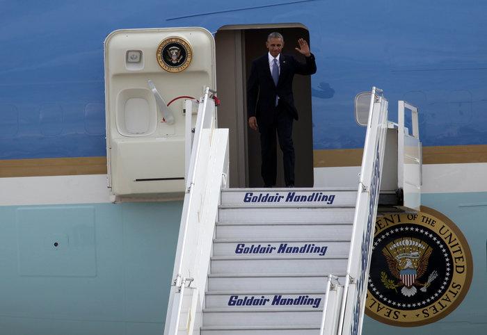 Ο Ομπάμα στην Αθήνα: Καρέ καρέ η άφιξη του 44ου Προέδρου της Αμερικής - εικόνα 3