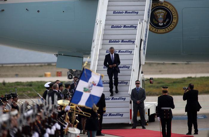 Ο Ομπάμα στην Αθήνα: Καρέ καρέ η άφιξη του 44ου Προέδρου της Αμερικής - εικόνα 4