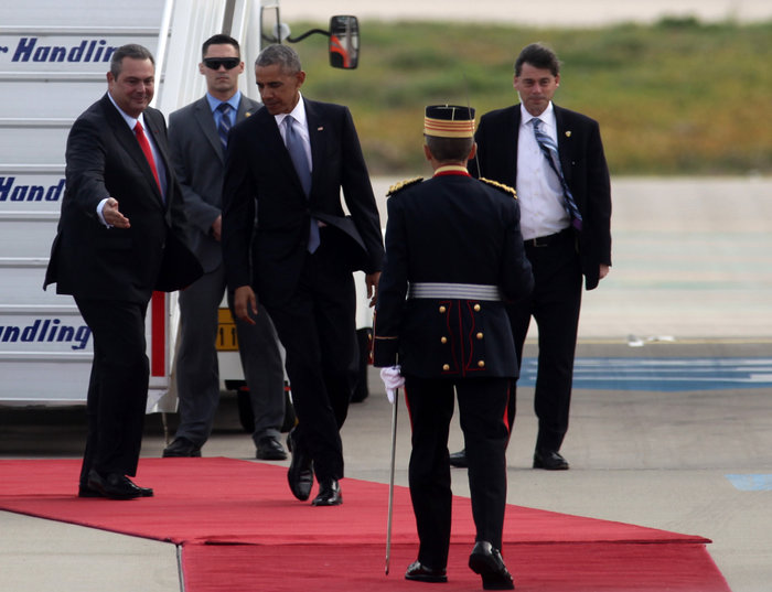 Ο Ομπάμα στην Αθήνα: Καρέ καρέ η άφιξη του 44ου Προέδρου της Αμερικής - εικόνα 6