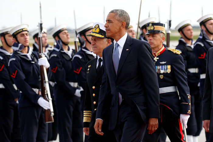 Ο Ομπάμα στην Αθήνα: Καρέ καρέ η άφιξη του 44ου Προέδρου της Αμερικής - εικόνα 9