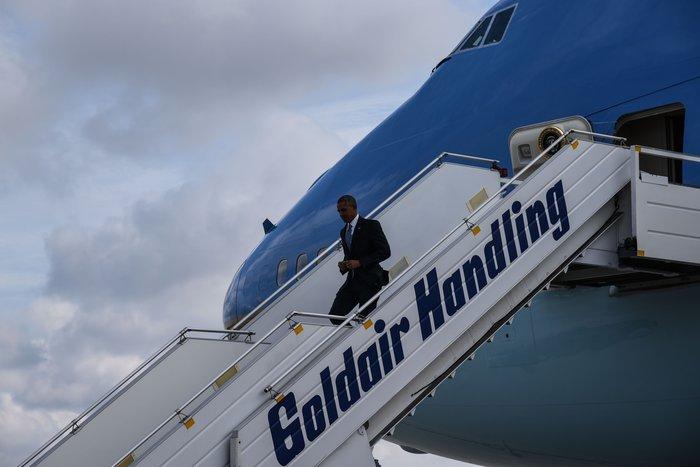 Ο Ομπάμα στην Αθήνα: Καρέ καρέ η άφιξη του 44ου Προέδρου της Αμερικής
