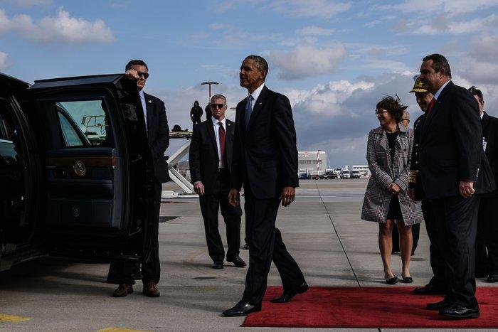 Ο Ομπάμα στην Αθήνα: Καρέ καρέ η άφιξη του 44ου Προέδρου της Αμερικής - εικόνα 12