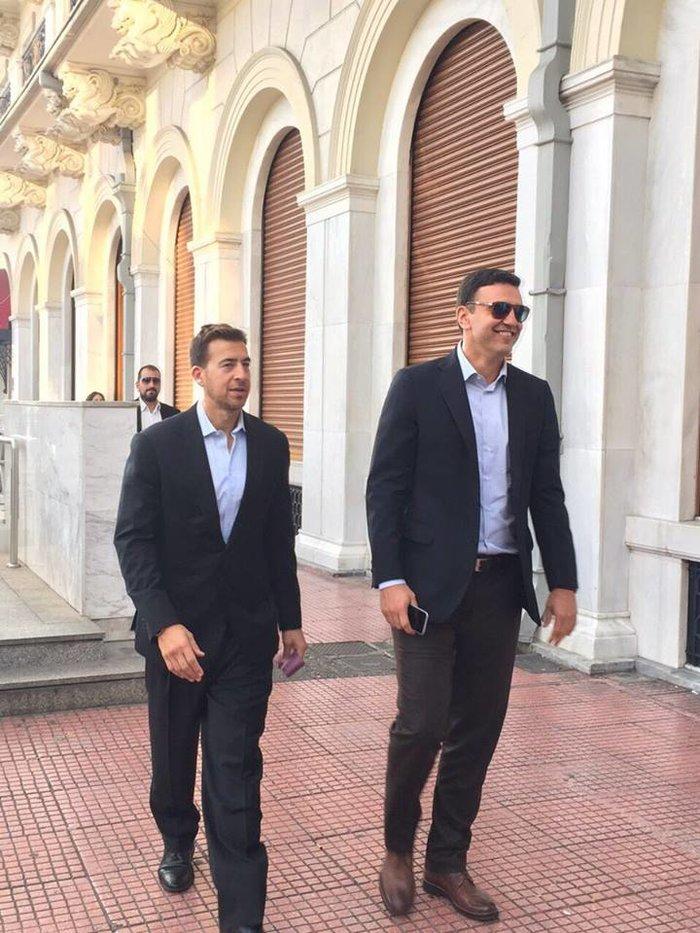 Βόλτα στην Αθήνα για τον σύμβουλο του Ομπάμα, Αλεξ Γιαννούλια - εικόνα 3