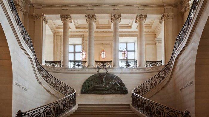 Αυτό είναι το νέο, ανακαινισμένο, cafe του Μουσείου του Λούβρου