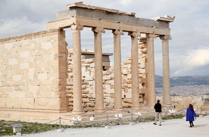 Ο Oμπάμα στον ιερό βράχο της Ακρόπολης και το Μουσείο - εικόνα 3