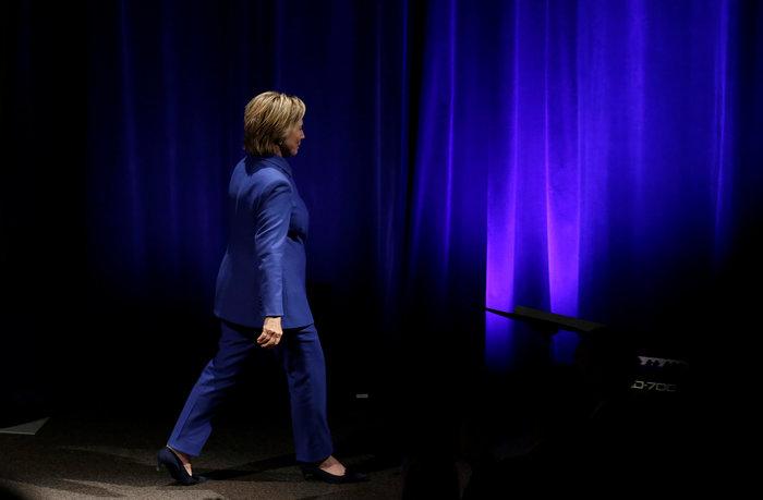 Σοκαριστική εμφάνιση της Χίλαρι Κλίντον μετά την ήττα - εικόνα 2