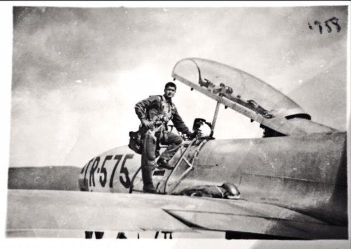 Αποτέλεσμα εικόνας για υποσμηναγού της πολεμικής αεροπορίας Μ. Μανιαδάκη
