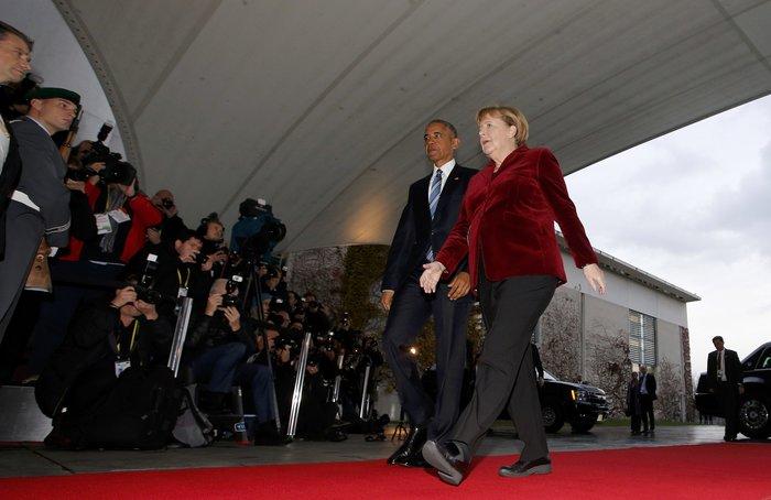 Η Μέρκελ καλωσόρισε τον Ομπάμα στην Καγκελαρία με ένα φιλί-Φωτο και βίντεο - εικόνα 4