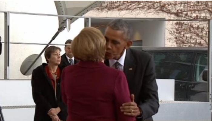 Το φιλί του αποχαιρετισμού της Μέρκελ στον Ομπάμα