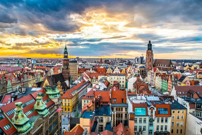 Μια άγνωστη, χρωματιστή, «γοτθική» πόλη στην καρδιά της Ευρώπης [Εικόνες]