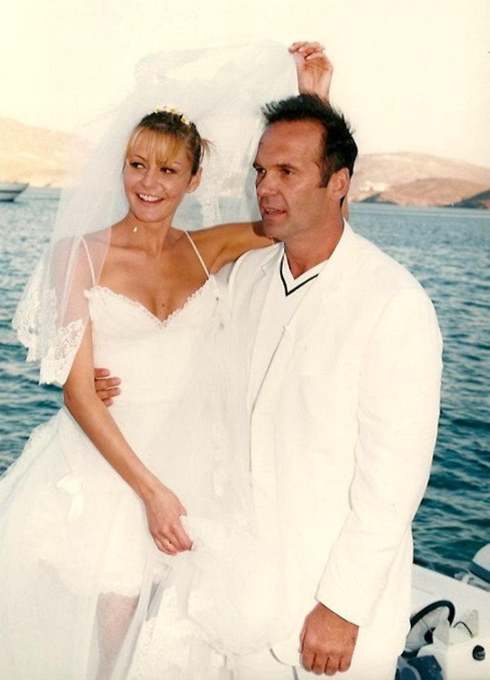Και επίσημα χωρισμένοι Κωστόπουλος - Μπαλατσινού: Βγήκε το διαζύγιό τους - εικόνα 2