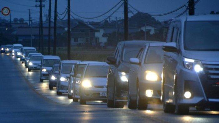 Ιαπωνία:οι αρχές υποβαθμίζουν τις προειδοποιήσεις για τσουνάμι - εικόνα 2