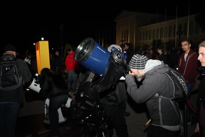 Οι Αθηναίοι στο τηλεσκόπιο για να δουν τον κόκκινο πλανήτη - εικόνα 5