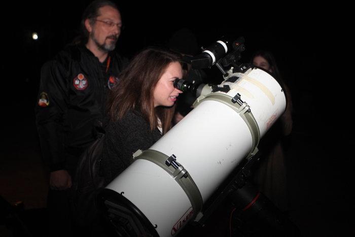 Οι Αθηναίοι στο τηλεσκόπιο για να δουν τον κόκκινο πλανήτη - εικόνα 8