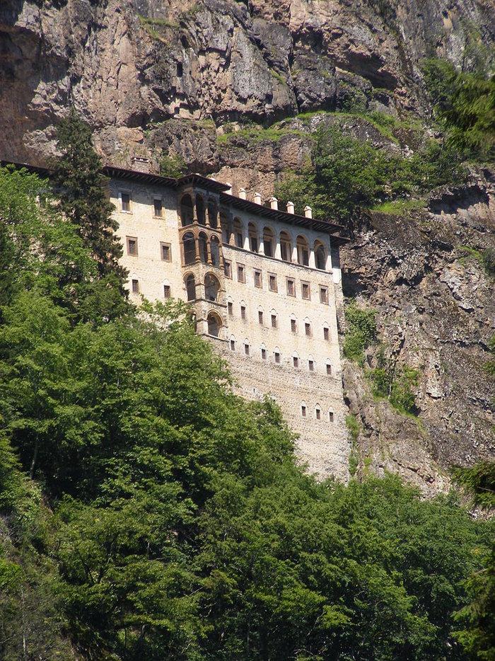 Κλείνουν ξανά την μονή της Παναγίας Σουμελά στην Τραπεζούντα - εικόνα 2