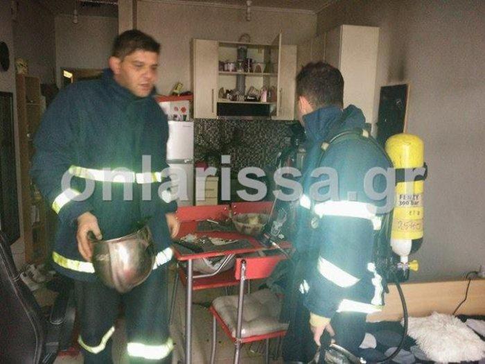 Εικόνες σοκ από έκρηξη φούρνου μικροκυμάτων στη Λάρισα - εικόνα 4