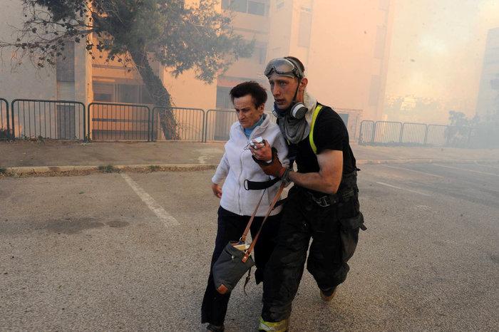 Κόλαση φωτιάς στη Χάιφα - 60.000 εγκατέλειψαν τα σπίτια τους - εικόνα 3