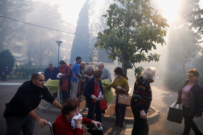 Κόλαση φωτιάς στη Χάιφα - 60.000 εγκατέλειψαν τα σπίτια τους - εικόνα 4