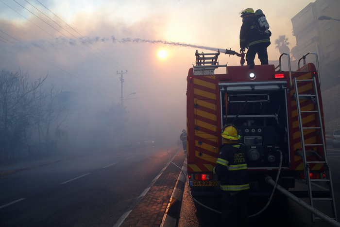 Κόλαση φωτιάς στη Χάιφα - 60.000 εγκατέλειψαν τα σπίτια τους - εικόνα 5