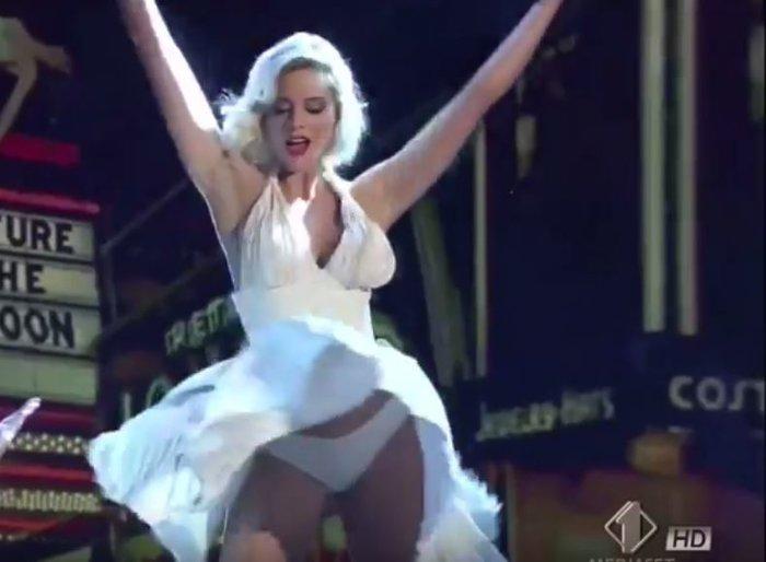 Ο σέξι χορός της Ρίας Αντωνίου ως Μέριλιν Μονρόε σε ιταλικό σόου [Βίντεο] - εικόνα 5