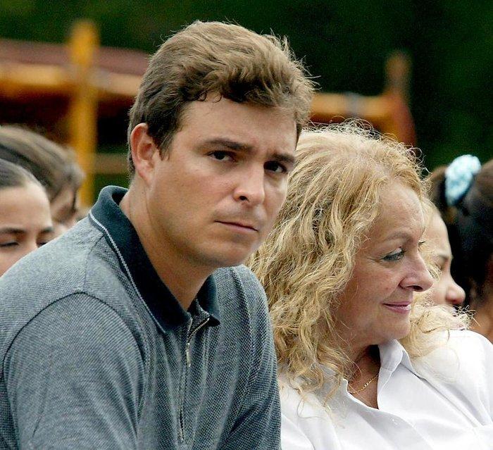 Ο γιος του Φιντέλ, Αντόνιο Κάστρο, με τη μητέρα του, Ντάλια Σότο ντελ Βάγε, σε μια εκδήλωση τιμής προς τον Τσε Γκεβάρα