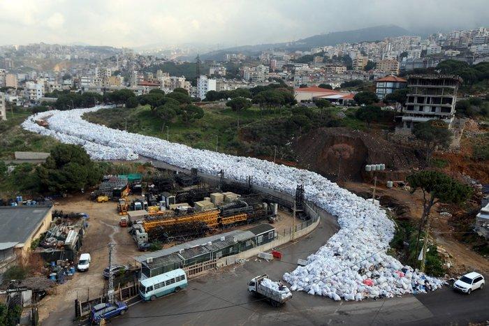 23 Φεβρουαρίου - σωροί από σκουπίδια, Βηρυτός