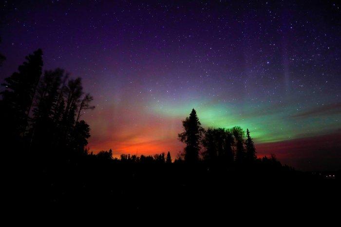 Το Βόρειο Σέλας, επίσης γνωστό ως Aurora Borealis, όπως φάνηκε από το Fort McMurray, στον Καναδά, 7 Μαΐου