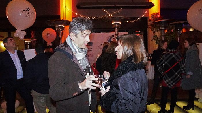 Ο Γιώργος Τρομπέτας (υπεύθυνος αθλητικών δήμου Αθηναίων) με την υπεύθυνη του εμπορικού τμήματος του TheTOC, Ρεγγίνα Μασσέλου.