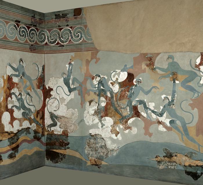 Οι σχέσεις των Θηραίων με την Ανατολική Μεσόγειο αντανακλάται και στην τέχνη. Αυτό προκύπτει από τοιχογραφίες όπως η μεγάλη σύνθεση των πιθήκων. Ο φυσιοκρατικός τρόπος με τον οποίο αποδίδονται οι πίθηκοι αναρριχώμενοι στους βράχους ασφαλώς οφείλεται σε προσωπική εμπειρία του ζωγράφου, όσον αφορά την κίνηση και τις συνήθειές τους.