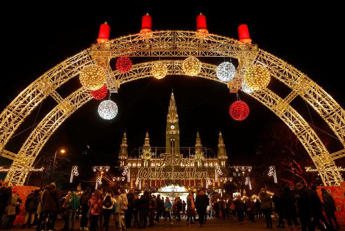 Ντυμένη γιορτινά, η Βιέννη υποδέχεται τα Χριστούγεννα - εικόνα 3