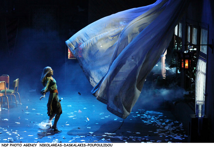 Ηρώ Μπέζου: Πρεμιέρα για την ηθοποιό κόρη των Μπέζου - Τσαλίκη [Εικόνες] - εικόνα 11