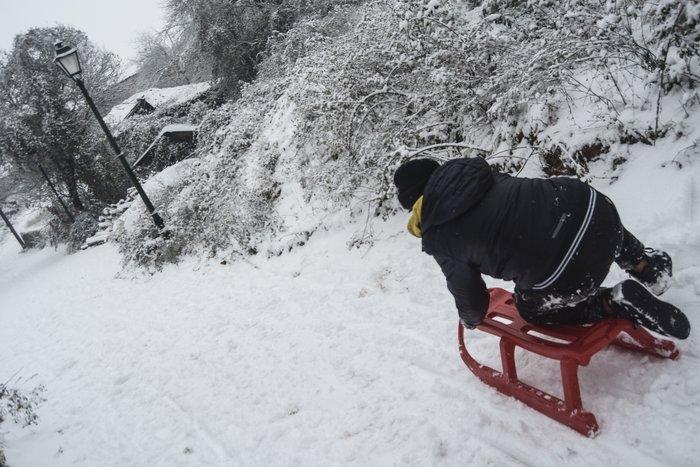 16 υπέροχες φωτογραφίες από την χιονισμένη Αρναία Χαλκιδικής - εικόνα 8