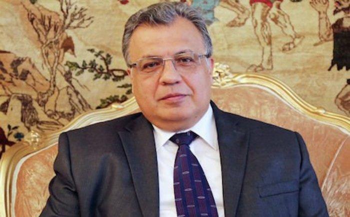 Νεκρός ο ρώσος πρεσβευτής στην Άγκυρα μετά από την επίθεση