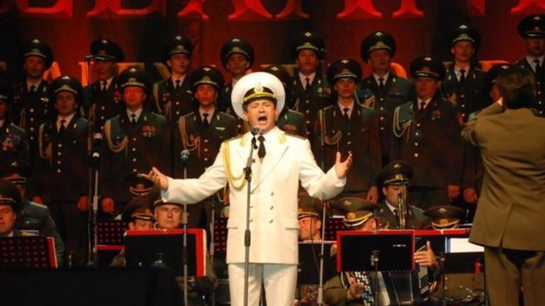 o-solist-tis-xorwdias-tou-rwsikou-stratou-glutwse-apo-thauma