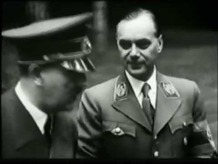 Χίτλερ, Ρόζενμπεργκ
