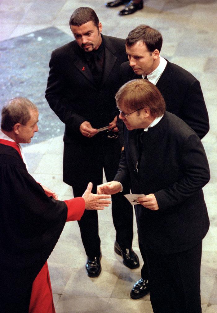 O Tζορτζ Μάικλ στην κηδεία της Νταϊάνα